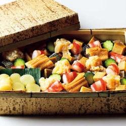 広尾の最注目鮨店が作るバラちらしが、売り切れ続出するぐらい人気沸騰中!
