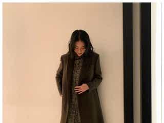 武井咲、ほっそり美脚に反響「ママに見えない」 左手薬指の指輪にも注目集まる