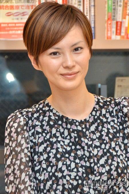 スタイルブック「MY STYLE ASAMI IMAJUKU」の刊行記念トークショーを行った今宿麻美