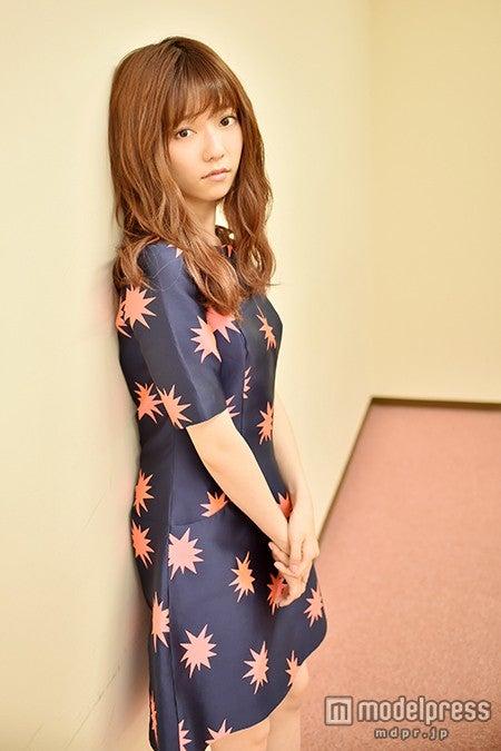 モデルプレスのインタビューに応じた、島崎遥香