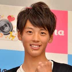 モデルプレス - 松坂桃李似19歳イケメンが「mina」初の男性専属モデルに決定