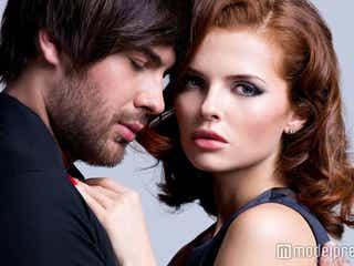 男性が「浮気されている…?」と不安になる女性の行動4つ