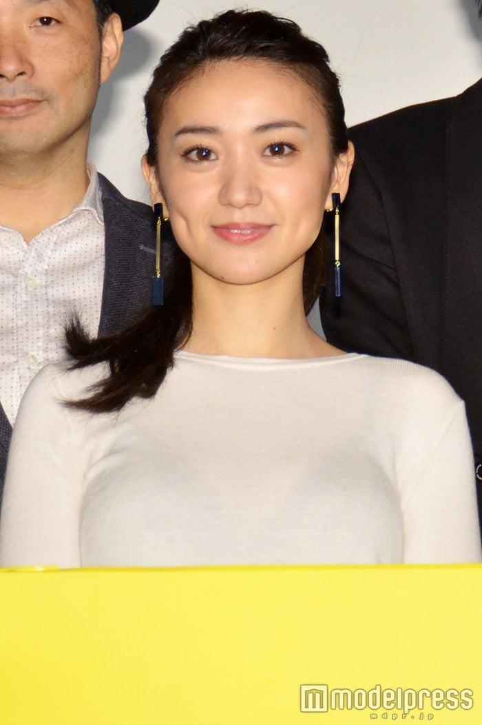 大胆な衣装で登場した大島優子(C)モデルプレス