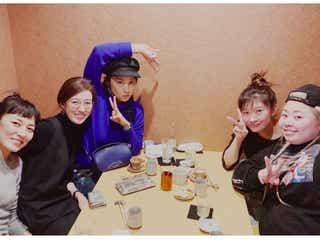 篠原涼子・小池栄子・ともさかりえ・渡辺直美・板谷由夏、映画「SUNNY」メンバーの忘年会ショットに「全員好き」「最高メンバー」の声