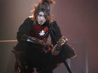 猪野広樹、舞台「双牙~ソウガ~」新炎で迫力のアクション!