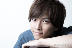 ジュノン準グラ・岡田龍太郎、いきなり連ドラ2作で俳優デビュー!今のうちに知りたい魅力とは?<「僕やり」「脳スマ」出演>