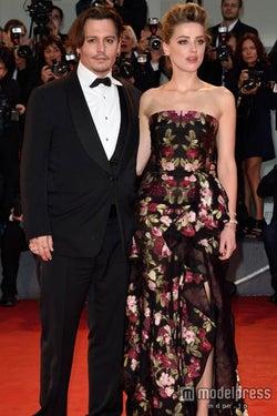 ジョニー・デップ、夫婦でヴェネツィア国際映画祭に登場