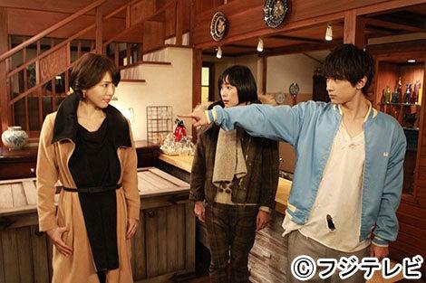 (左から)釈由美子、西田尚美、吉沢亮