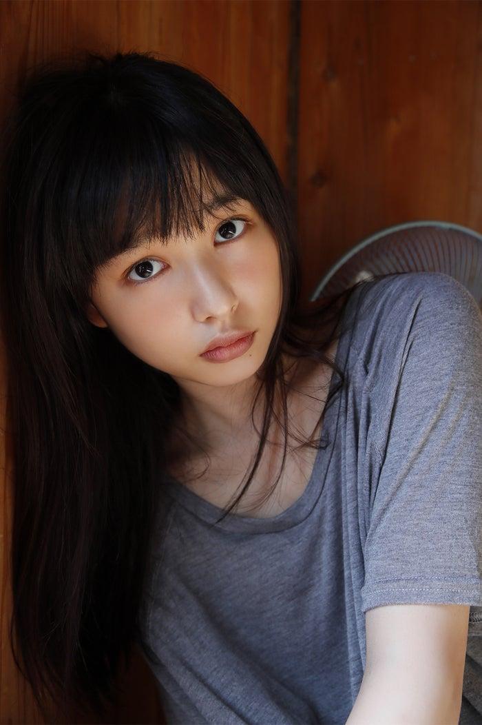 桜井日奈子/ファースト写真集「桜井日奈子です。」(KADOKAWA)より(画像提供:所属事務所)