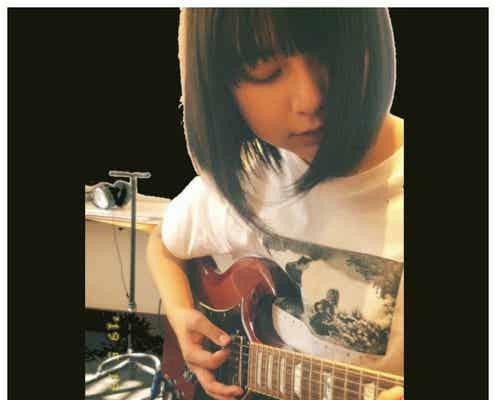上白石萌歌、エレキギター演奏する姿に「かっこいい」と反響