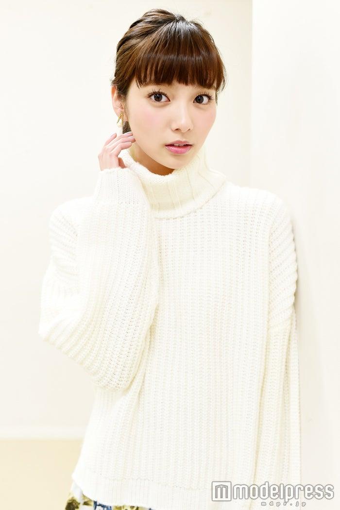 モデルプレスのインタビューに応じた新川優愛(C)モデルプレス