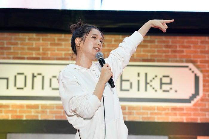 本田翼「ほんだのばいく」開設1周年記念イベント 第1部より(C)SDP