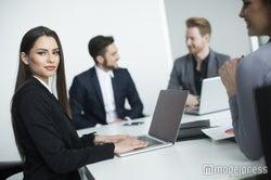 職場恋愛で発生する男性の好き避け5つ 分かりやすい態度とりすぎ!