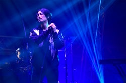 "DEAN FUJIOKA、甘い歌声に会場酔いしれる ファンへの""神対応""も<MTV VMAJ 2018>"