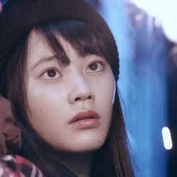 小川あん/[Alexandros]「ムーンソング」MVより(画像提供:所属事務所)