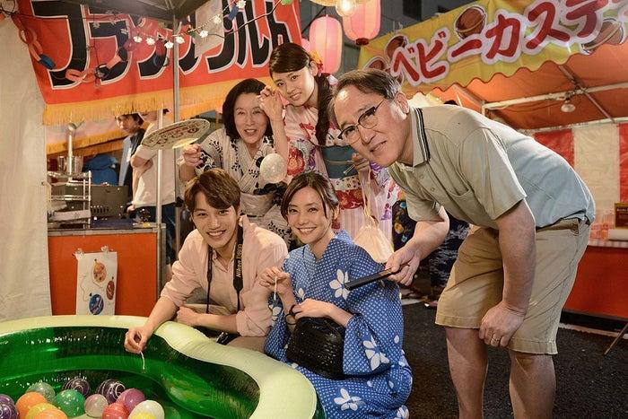 (前列左より)カイ、倉科カナ(後列左より)高畑淳子、古畑星夏、佐野史郎(提供写真)