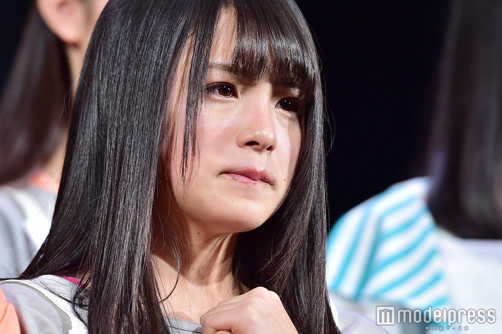 """乃木坂46・3期生""""泣きすぎる""""大園桃子が話題 ド緊張で震える姿が「インパクトありすぎ」「放っておけない」"""