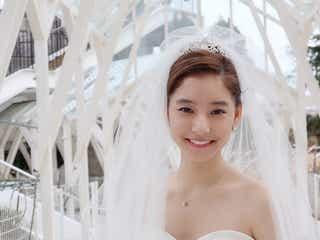 """新木優子、""""美デコルテ""""輝くウェディングドレス姿に「天使の域を超えてる」「女神」の声<トドメの接吻>"""