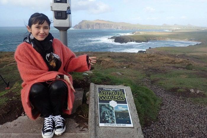 市川紗椰「スター・ウォーズ」聖地巡礼でアイルランドのロケ地へ 制作スタジオにも潜入(C)TBS