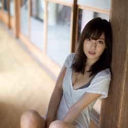 モデルプレス - 池上紗理依、くっきり谷間の豊満バストで悩殺