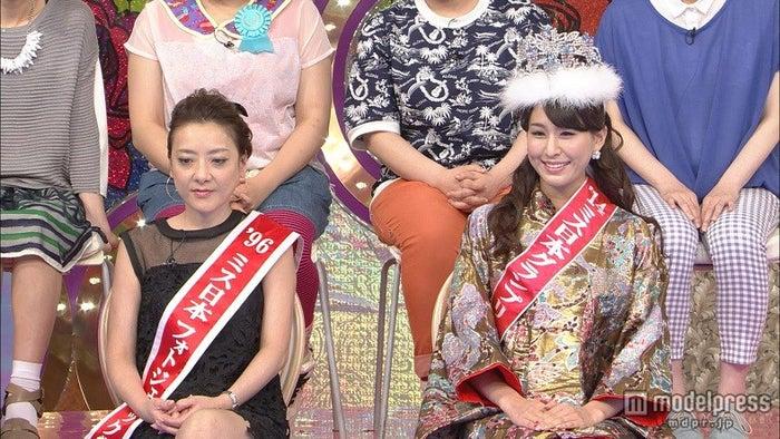 「私の何がイケないの?」(左より)西川史子、2014年度ミス日本の沼田萌花さん