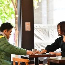 泉澤祐希、石原さとみ/「アンナチュラル」第5話より(C)TBS
