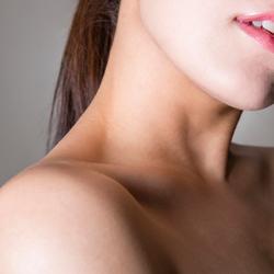 鎖骨のリンパマッサージで、デコルテ美人になる方法