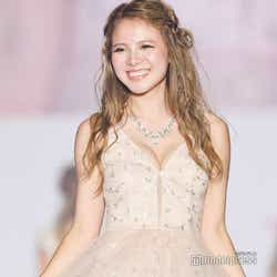 モデルプレス - 「モンスターハウス」で話題の美女・蘭、豊満バスト際立つドレスでランウェイ<関コレ2019A/W>