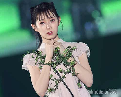 渡辺美優紀のアンニュイな表情にドキッ<関コレ2019S/S>