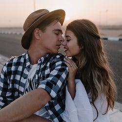 ずっとしてたい…♡彼の心をグッと掴む「気持ちいいキス技」3つ