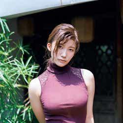 モデルプレス - 小倉優香、ダイナマイトボディくっきりのランジェリー姿