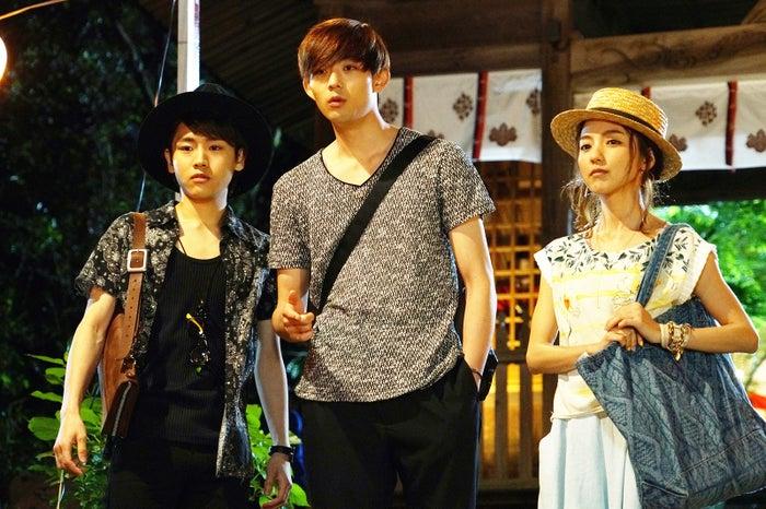 (左から)泉澤祐希、竜星涼、真野恵里菜(C)「君と100回目の恋」製作委員会