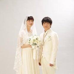 上野樹里&風間俊介、結婚写真を公開 世界一幸せな2ショット誕生<監察医 朝顔>