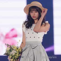 モデルプレス - 欅坂46小林由依、ふんわりガーリーコーデで華やかランウェイ<GirlsAward 2018 S/S >