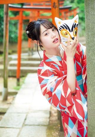 声優・伊藤美来、浴衣で新たな一面 神社で女子力アップ