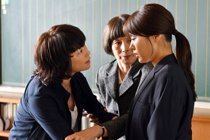 夏川結衣、夏木マリ、有村架純/「中学聖日記」第5話より(C)TBS