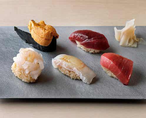 早くも満席、整理券待ち! あの鮨の名店がコスパ最強の『立喰い寿司 あきら』を2店連続オープン