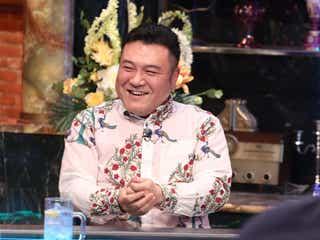 『ツマミになる話』アンタ山崎が白シャツ白ネクタイを着る理由 松本人志が驚き