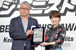 (右)荻野目洋子(C)モデルプレス