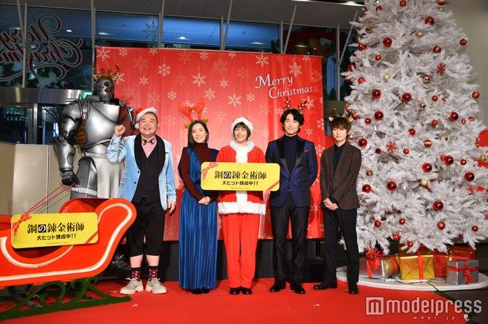 (左から)内山信二、蓮佛美沙子、本田翼、ディーン・フジオカ、本郷奏多(C)モデルプレス