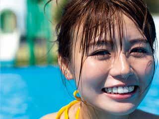 """""""モッツァレラボディ""""井口綾子、バストラインくっきり水着で笑顔炸裂"""