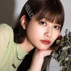 """生見愛瑠、""""次世代バラエティ女王""""の声にプレッシャーは?同世代モデルの活躍に「焦りとかは全くない」<「はっぴーす!」インタビュー>"""