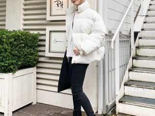 【2019冬のトレンドダウン】ライトカラー&短め丈のダウンジャケットコーデ10選