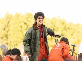 中川大志、髭面アフロ姿に「映画 賭ケグルイ」衝撃ビジュアルの新キャラで登場