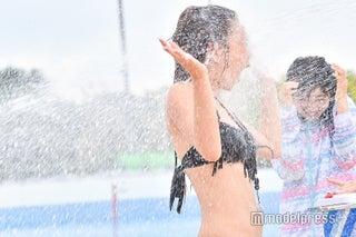 「Popteen」モデルが水着で体張りまくり「ひらがなモデルだらけの水泳大会」 顔面放水でメイク&前髪が…大胆にビショ濡れ