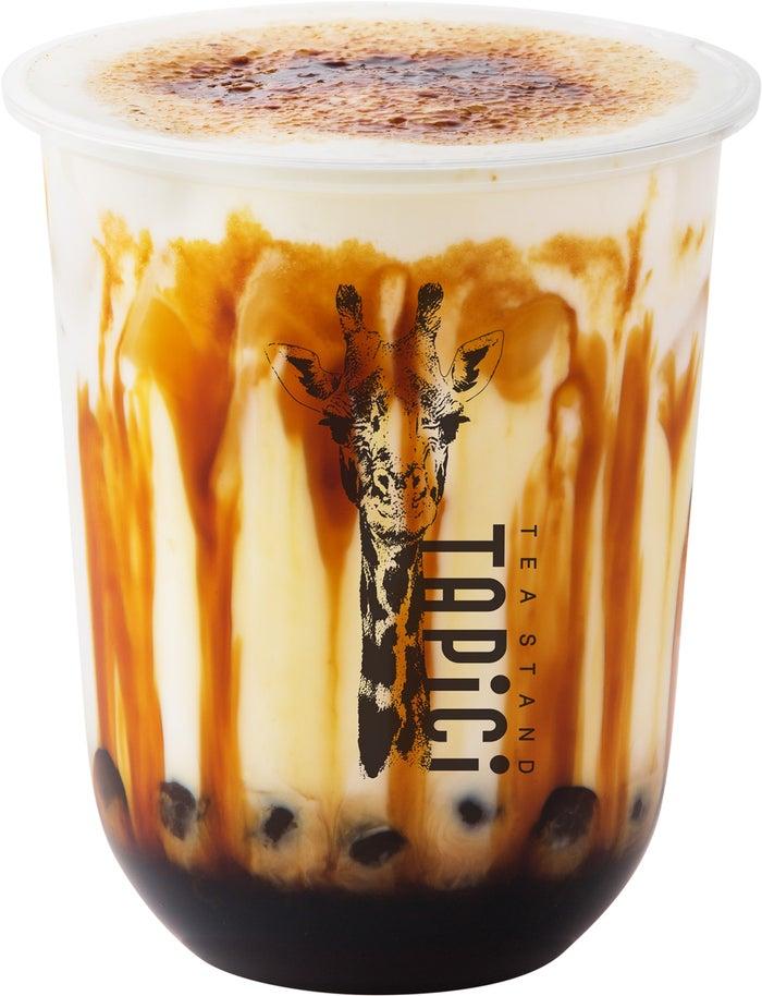 タピチ-カラメルブリュレミルク/画像提供:ドロキア・オラシイタ