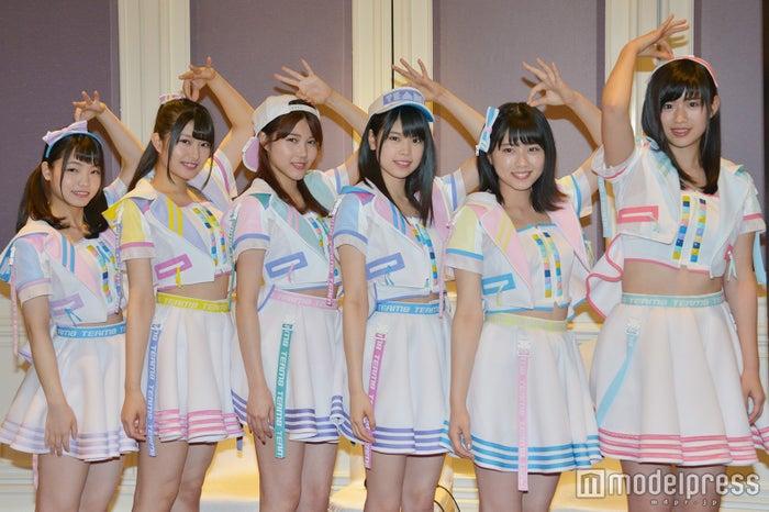 AKB48・チーム8(左から:高橋彩音・行天優莉奈・舞木香純・吉川七瀬・清水麻璃亜・佐藤朱 (C)モデルプレス