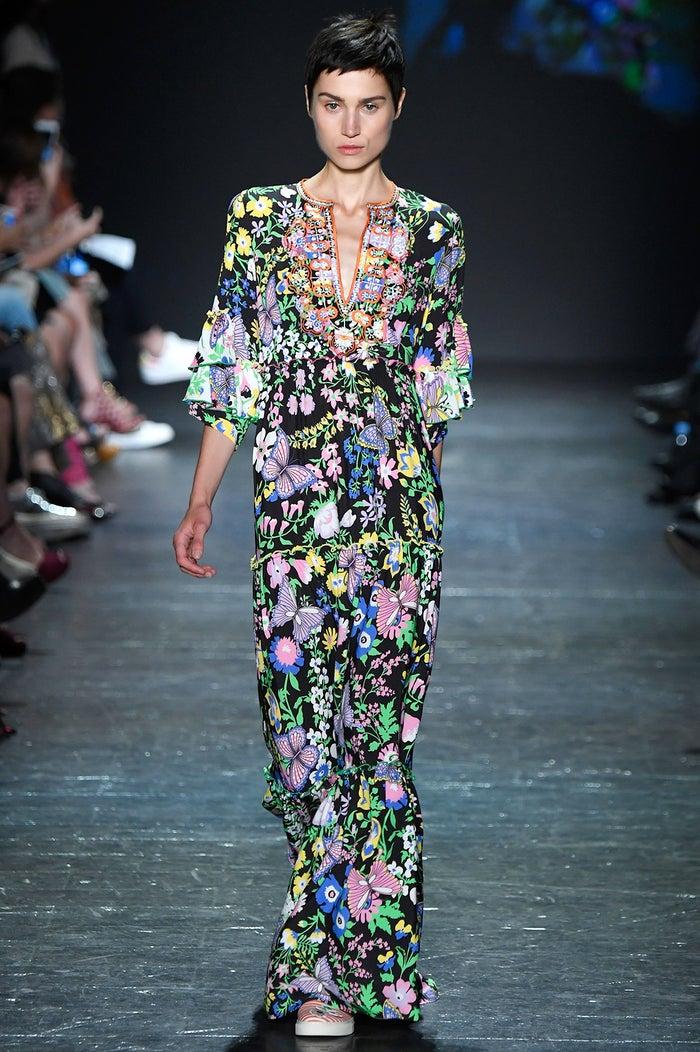 ボタニカルワールド「ヴィヴィアン・タム ニューヨークファッションウィーク Spring/Summer2017」より/photo:GettyImages