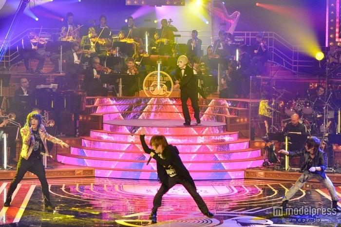 「第55回 輝く!日本レコード大賞」に出場したゴールデンボンバー