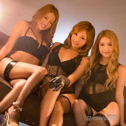 (左から)KANAE、KAZUE、NATSUNE(C)モデルプレス